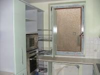 Kuchyň mariál lamino police drátěný proogram