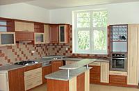Kuchyň lamino - profilovaná dvířka