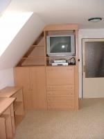 Dětský pokoj lamino + skříň v podkroví