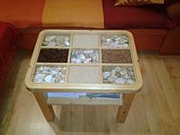 Obývákový dekorační stůl